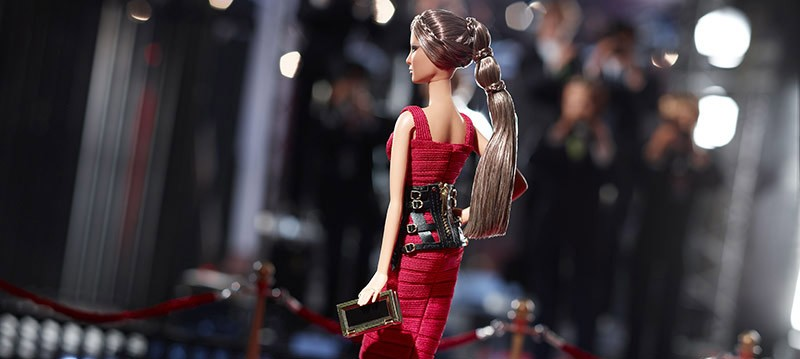 BARBIE GETS A DESIGNER WARDROBE REVAMP!
